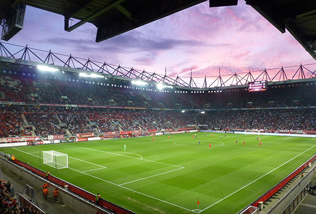 FC Twente-back breekt sleutelbeen bij interland