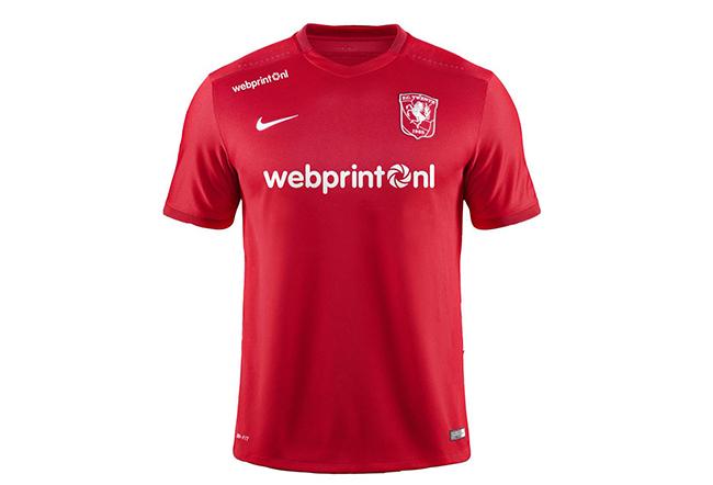 FOTO: Het officiele shirt van FC Twente 2015-2016