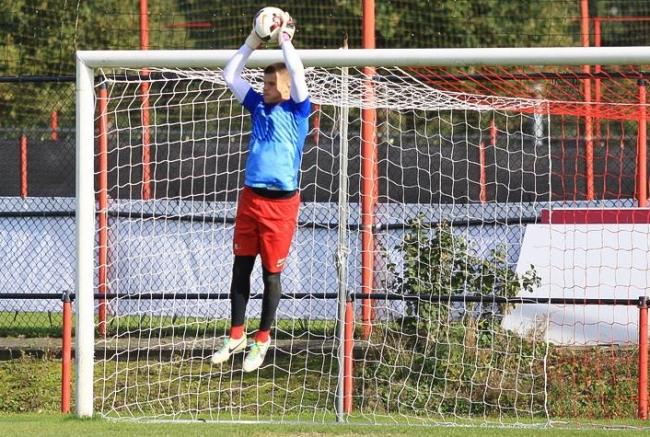 Voormalig FC Twente-doelman onder de lat tegen NEC