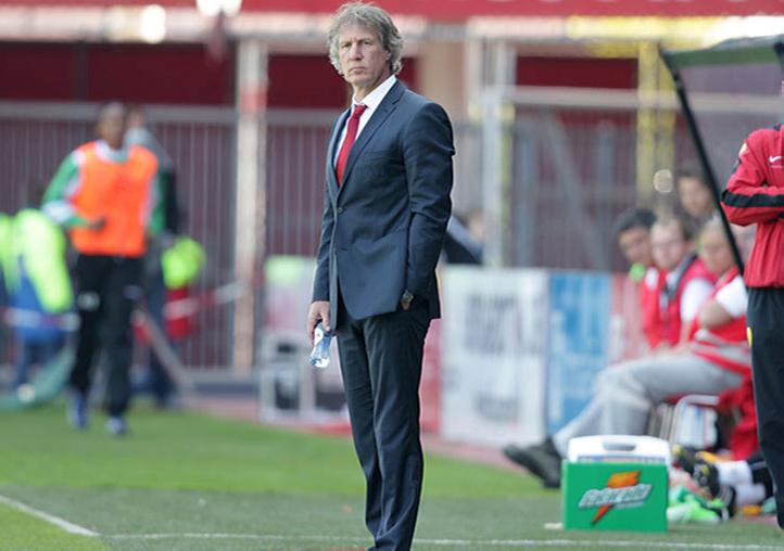 """Verbeek deelt sneer uit: """"Hij krijgt er nog vorstelijk voor betaald ook"""""""