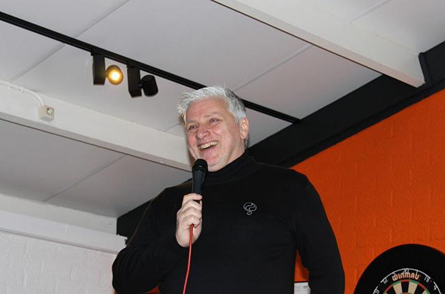 """John van Zweden neemt het op voor Twente: """"Schandalige beslissing KNVB"""""""