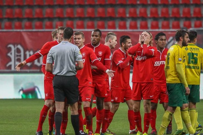 Boyd Stevens debuteert bij Jong FC Twente