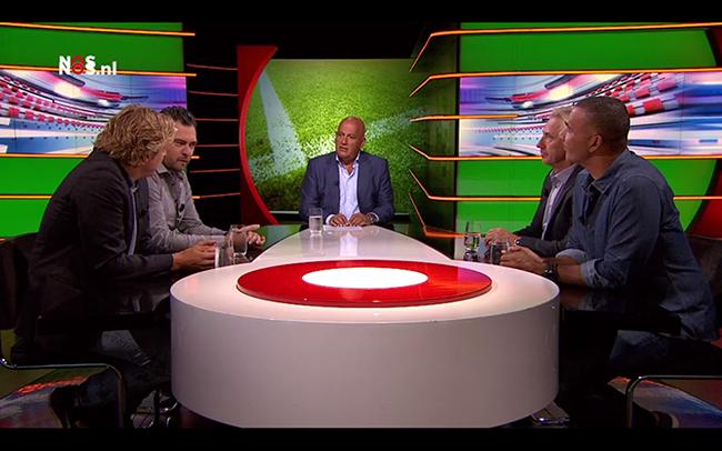 """Studio voetbal verwacht ellendige week: """"Corona en Ziyech zullen verkocht worden"""""""