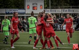 FC Twente vrouwen zetten handtekening onder nieuwe verbintenis
