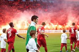 FC Twente samen met politie op zoek naar afstekers vuurwerk