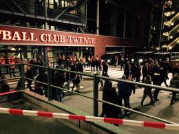 13 relschoppers ontvangen taakstraffen na incidenten Twente - AZ